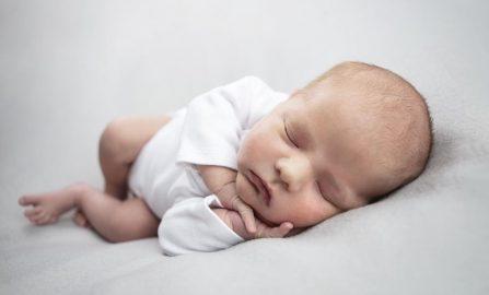 Alt du trenger å vite om nyfødtfotografering